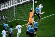 Уругвай переигрывает Англию